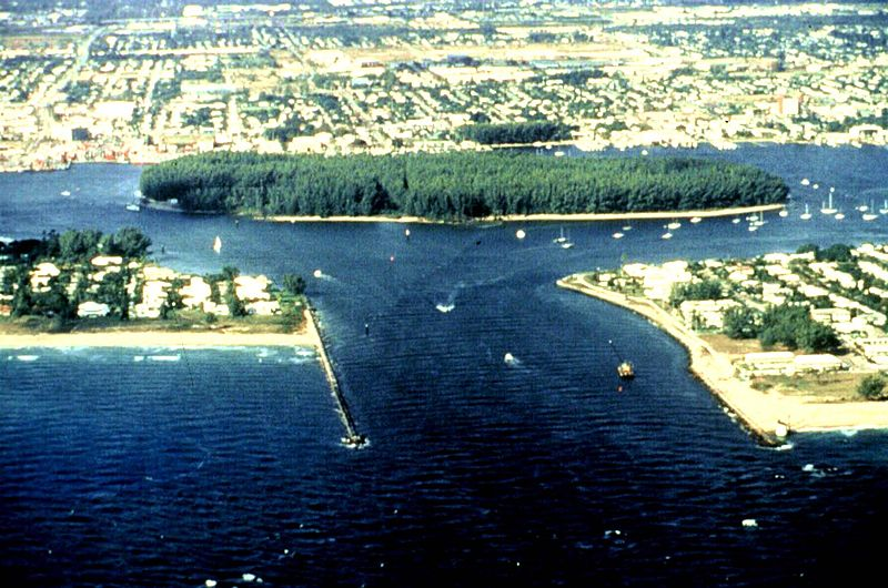 800pxLake_Worth_Inlet_aerial_view-1.jpg